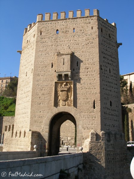 Fortified gate over Bridge of Alcántara, Toledo