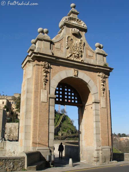 Entrance gate over Bridge of Alcántara, Toledo